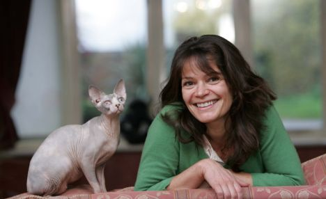 9 Celebrities With Sphynx Cats 1