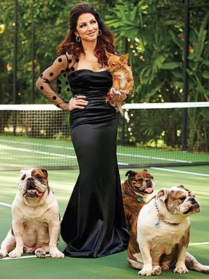 Gloria Estefan bulldogs