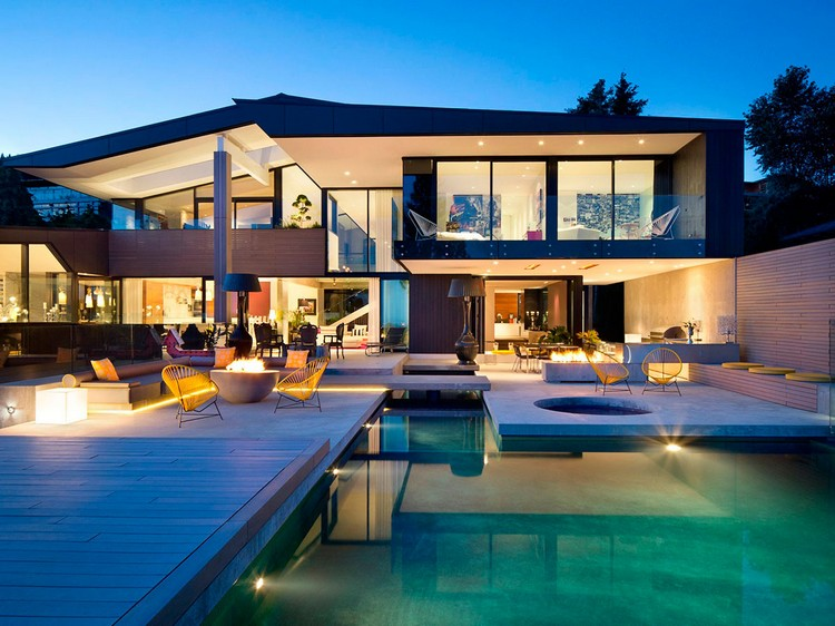 Modern Detached House With Roof Terrace 3