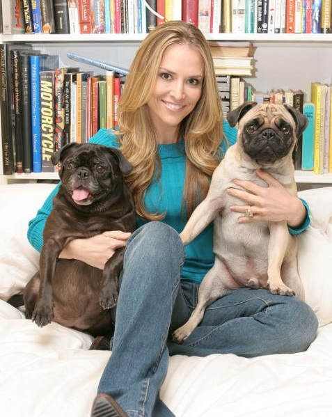 Brooke Mueller and her pugs