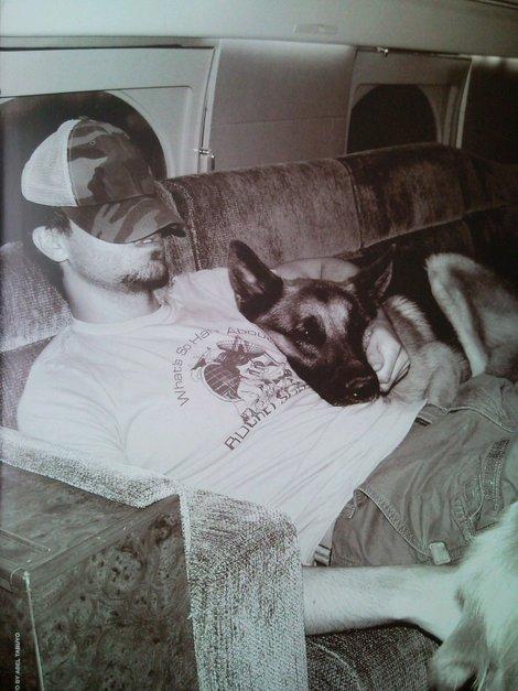 Enrique Iglesias dog german shepherd