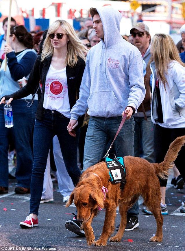 Miranda Lambert and Blake Shelton with dog