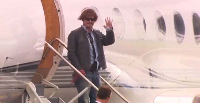 johnny depp airplane