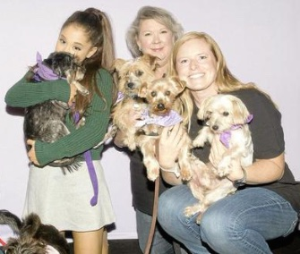 8 Celebrities, Who Are Obsessed with Their Dogs 19